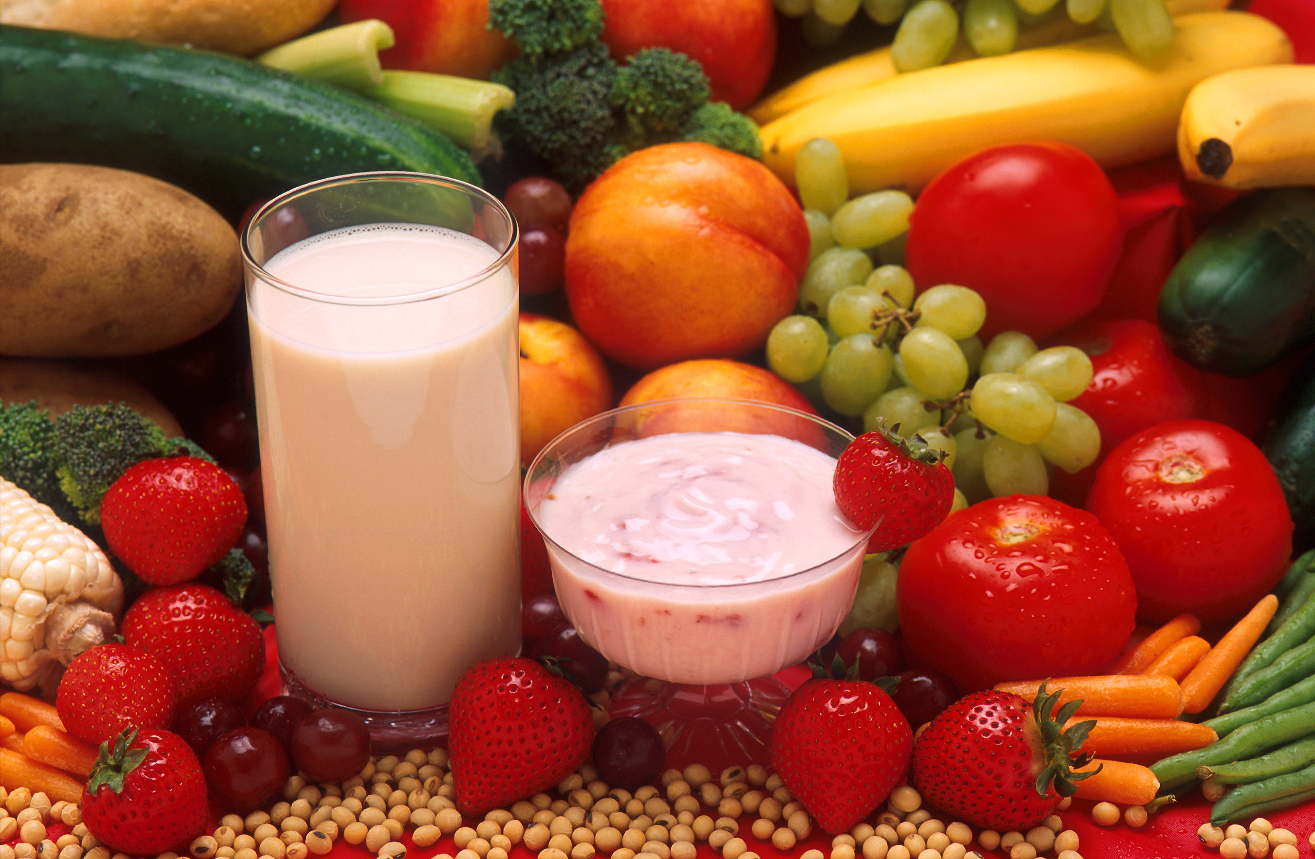 breakfast shake and fruit